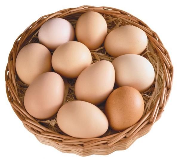 Десяток яиц в корзине