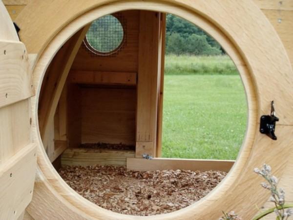 Куриный домик хоббита внутри