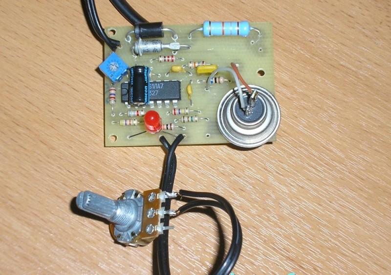 Из чего сделать терморегулятор для инкубатора своими