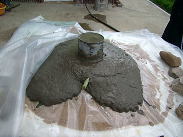 Лопух под цементом